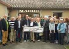 Sant'Agata sul Santerno. Vive la France. Una delegazione in visita ai gemelli francesi.
