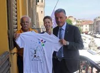 Cesena. San Giovanni 2016. Maglietta d'autore per i partecipanti alla podistica.