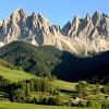 Trento. Molveno, il 'mare' più bello d'Italia, ai piedi delle Dolomiti.