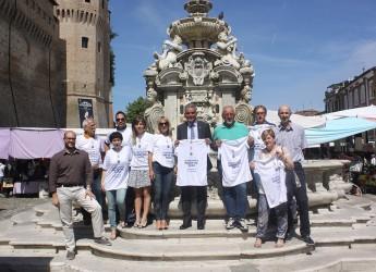 Cesena. Presentata la maglietta ufficiale della scarpinata solidale 2016.