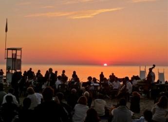 Cervia. Con la Notte Rosa partono i concerti all'alba. Appuntamenti musicali in riva al mare.