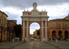 Santarcangelo di Romagna. La città che cambia.La copertina del periodico d'informazione.