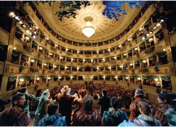 Ravenna. 'Chanteuse de rues'. Teatro Alighieri. Martedì 28 giugno 2016.