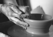 Faenza. 'La ceramica e le sue applicazione innovative': conferenza di Anna Tampieri.