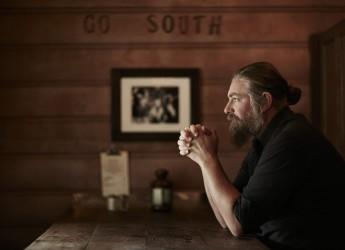Modigliana. L'autore della serie tv 'Son of anarchy' presenta il suo ultimo album.
