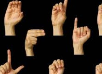 Cesena. Nuovo incontro preparatorio per il corso di lingua dei segni.