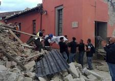 Terremoto al Centro Italia. I morti sono oltre 250 e i feriti 370. Ma molti mancano ancora all'appello.
