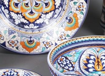 Superfici d'autore: quando i designer e gli artisti incontrano la ceramica