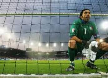 Non solo sport. Una 'papera' di Gigi promuove la Spagna. Ora sarà molto più difficile vincere il Girone.