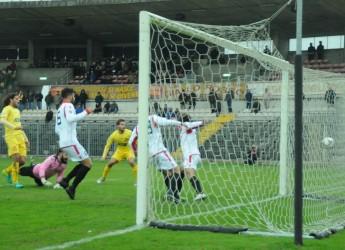 Calcio, Nell'ultimo quarto d'ora il Ravenna vede svanire la vittoria sulla Colligiana