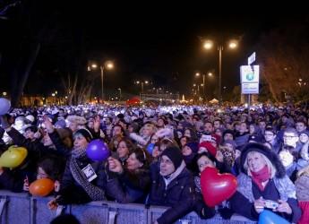 Emilia Romagna. A Rimini il 2O17 partito col botto. Successo per il Capodanno più lungo del Mondo, battuto ogni record.