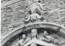 Alta Valmarecchia. Dove, nella penombra, t'accoglie la Madonna delle Grazie di Luca della Robbia.