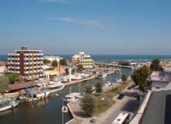 Bellaria Igea Marina. Si rifà la pavimentazione in via Romea, nel cuore della Borgata vecchia.