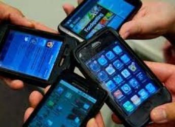 Argomenti. I web  pericoli, soprattutto  per i giovani ipnotizzati dalla rete. Crescono sexting e cyberbullismo.