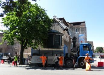 Emilia Romagna. Rimini: piazza Malatesta, si sposta l'edicola e  si allarga l'area del cantiere.