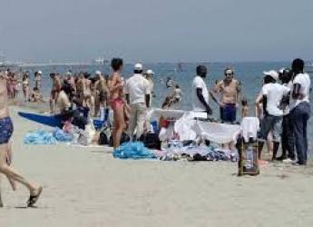 Rimini. Sanzionate tre 'batterie' di pallinari. L'attività di controllo in spiaggia e sui viali delle Regine.