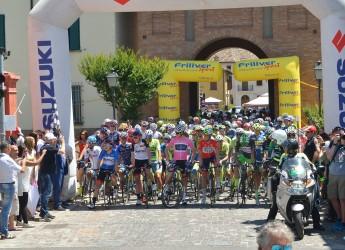 Bagnara di Romagna. Grande festa di saluto per i ciclisti partecipanti del Giro d'Italia Under 23.