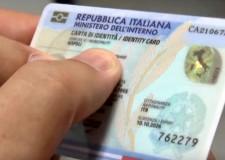 Rimini.  Si rilascia la Carta di identità elettronica. Con aspetto e dimensioni da carta di credito.