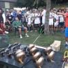 Faenza. Tutti pazzi per il tennis con le padelle. 32 le squadre, vince la 'Lupo e i tre Porcellini'.
