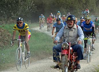 Bassa Romagna. Torna a Lugo la Ciclostorica. In piazza Baracca, la bici anno 1949 del Campionissimo.