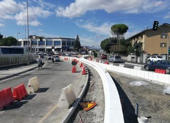 Rimini. Ultimi lavori sulla rotatoria tra via Flaminia Conca, via Dalla Chiesa, viale Della Repubblica.