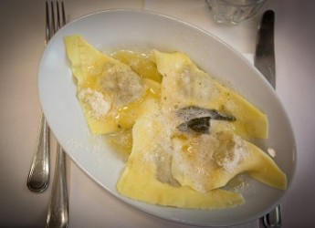 Emilia Romagna. 'Guide di gusto': un percorso da gourmet, tra stelle, cappelli e forchette.