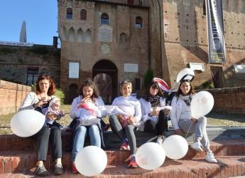 Lugo. Ausl Romagna: mamme in piazza per il flash mob 'Allattiamo al seno materno'.