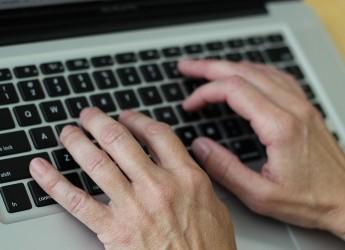 Cesena. Computer a portata di mano con 'Pane e Internet'. Dal 5 ottobre riprende il servizio.