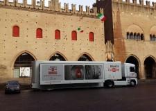 Rimini. E' arrivato il Truck Banca del cuore. Da martedì 14 a giovedì 16,  in piazza Cavour.