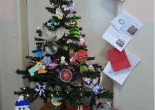 Lugo. Alla 'Garibaldi' un albero di Natale con i colori del Mondo. Da venerdì 15 dicembre.