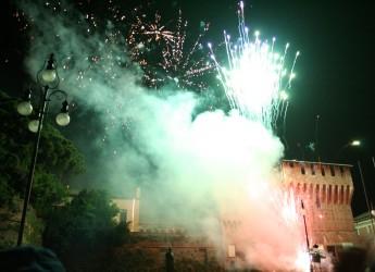 Lugo. Aspettando l'arrivo  del nuovo anno. Con musica, panettone, vin brulè e fuochi d'artificio.