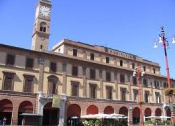Forlì. Capodanno in piazza Saffi. Musica, street food, pattinaggio e l'antica giostra dei cavalli.