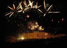 San Leo. Tutto pronto per la notte più lunga dell'anno. La festa tra arte, spettacoli, musica e buon cibo.