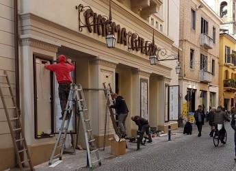 Rimini. Fulgor, in attesa dell'apertura del 20 gennaio montate le bacheche esterne. Presto i primi manifesti.