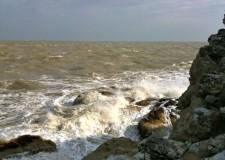 Ravennate. Protezione civile: emesso stato di allerta per le condizioni del mare, martedì 26/mercoledì 27.