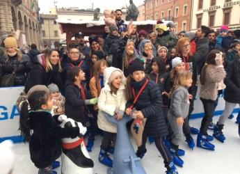 Rimini. Tanti bambini in piazza Cavour per attendere con le loro famiglie la Befana 2018.