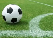 Argomenti. Lo sport fa male? Il cardiologo: ' Sì, troppo è un rischio, occorre ridurre le partite'.
