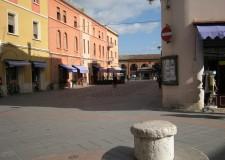 Santarcangelo d/R. Leggere la storia sullo stradario. Via Matteotti, dal Combarbio a piazza delle Erbe.