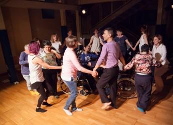 Viserba Monte. Pratica MH e applicazioni alle varie disabilità alla Casa del teatro e della danza.