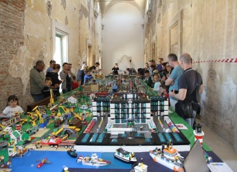 Bagnacavallo. Dieci milioni di pezzi e seicento mq di esposizione per la 'Città dei mattoncini'.