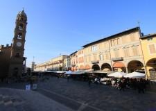 Faenza. Nella  'Giornata del faentino lontano e del faentino sotto la Torre ' premiati Monti e Sacchini.