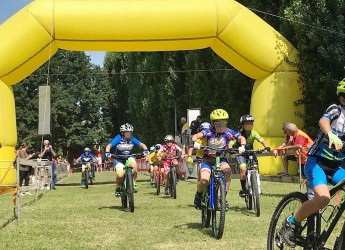 Fusignano. Oltre 400 'giovanissimi' al parco Primieri  per il meeting regionale di cross country.