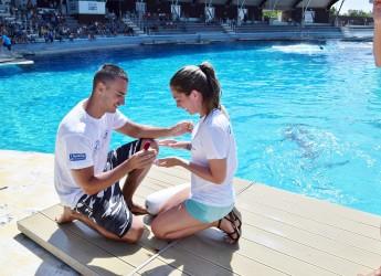 Riccione. Judit dice 'sì' tra i delfini della laguna di Oltremare. Una proposta al Family Experience Park.