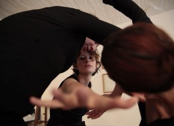 Rimini. Biennale del disegno e Movimento centrale: disegnare la danza e danzare il disegno.