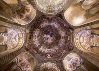 Ravenna. Nel cuore del Settecento napoletano con lo Stabat Mater, sotto le volte della basilica di San Vitale.