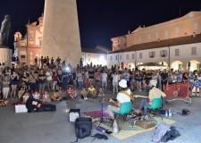 Lugo. Tappa del Ferrara Buskers Festival. In oltre15 mila  nelle strade e piazze del centro storico.