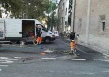 Rimini. 85 nuovi parcheggi per motorini su piazza Malatesta. Via le strutture del cantiere 'Galli'.