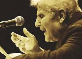 Cesena. Omaggiato al 'San Biagio'  il poeta Raffaello Baldini con  'Treno di parole' di Silvio Soldini.