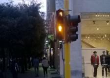 Ravenna. Sicurezza stradale: due semafori pedonali con countdown e audio guida per non vedenti.