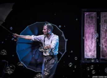 Cattolica. 'Arcipelago ragazzi' è ripartito con una cascata di bolle e sapone. Col magico Michele Cafaggi.